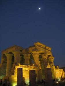 Visit magnifient temple along the Nile Rive, Egypt
