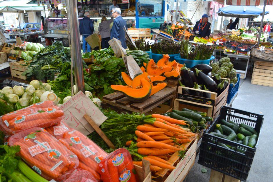 Visit a Sicilian food market